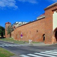 Оборонительная городская стена :: Сергей Карачин
