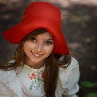 Красная шапочка :: Кристина Мащенко
