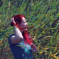 Ветер, камыши, красные волосы ) :: Алексей Хвастунов