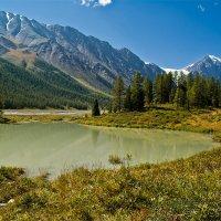 Озеро в долине реки Актру :: Олег