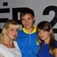 Женя и девушки :: Сергей Авдонин