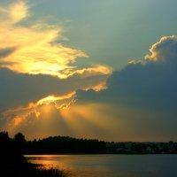 Сквозь позолоту облаков :: Нэля Лысенко