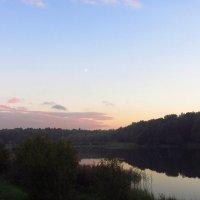 Закат на пруду с Луной IMG_7907 :: Андрей Лукьянов