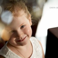 Улыбка :: Дарья Сбитнева