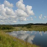 Облака купаются в озере :: demyanikita