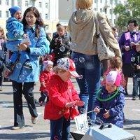 Северодвинск. Праздник мыльных пузырей (11) :: Владимир Шибинский