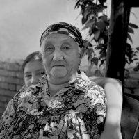 Бабушка и внучка :: Валерий Талашов