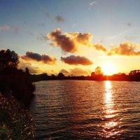 Солнечная дорожка...закат. :: Антонина Гугаева