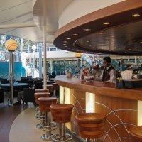 Один из баров на палубе. :: Надежда