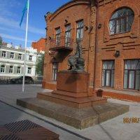Памятник   Ч. Велиханову :: раиса Орловская