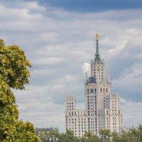 Москва, дом на Котельнической :: Дмитрий Сушкин
