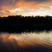 Закат на острове отдыха (Красноярск) :: Алексей