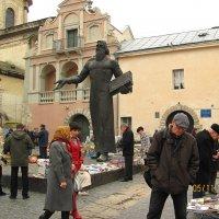 Памятник первопечатнику Ивану Федорову во Львове :: super-krokus.tur ( Наталья )
