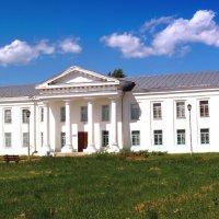 Здание краеведческого музея г.Оса :: Владимир Нефедов