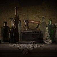 Натюрморт с бутылками :: Андрей Гусев