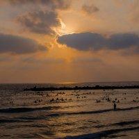 Закат и море :: Witalij Loewin