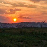 Закат над терриконами :: Tatsiana Latushko