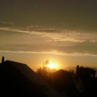 закат над дачей :: Наталья Александрова