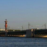 Дворцовый мост. :: Владимир Гилясев