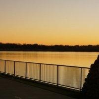 Рассвет на озере. :: Valentyna Chenoweth