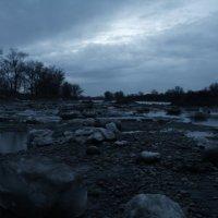 Александр Левченко - В русле реки