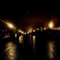 Карлов мост ночью :: Полина Калинкина