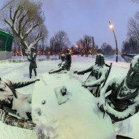 Скульптурная группа «Зодчие» :: Николай Титюк