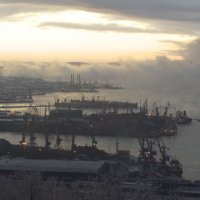 Заполярный порт Мурманск зимой :: Александр Павленко