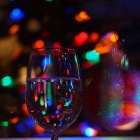 Новый год в бокале. :: Valentyna Chenoweth