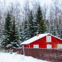 Почти похоже на домик Деда Мороза... :: Виталий Ахмедьянов