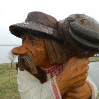 Рыбак с добычей :: Олег Ровда