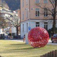 Красный шарик. :: Наталья Иванова