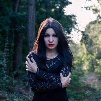 Ведьма :: Ксения Апряткина
