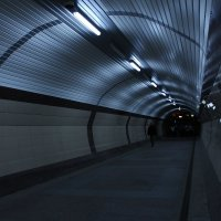 люди в тоннеле :: Марти Дерио