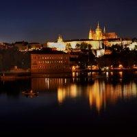 Ночная рыбалка с видом на замок :: Елизавета Вавилова