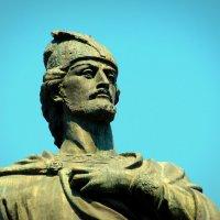 Памятник Шота Руставели в Тбилиси. :: Игорь