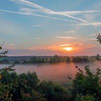 Восход в сентябре :: Юрий Стародубцев