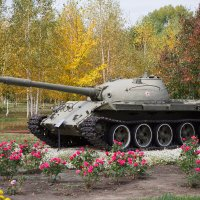 Танк на мирной службе. :: Виктор Гришенков