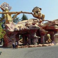 Тбилиси. Вход в парк развлечений на горе Мтацминда. :: Игорь
