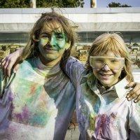 Фестиваль красок холи :: Андрей Скачков