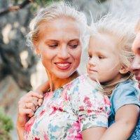 Фото прекрасной семьи в Симеизе :: Анастасия Гузенко