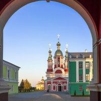 Вход :: Сергей Раннев