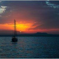 Восход солнца :: Евгений Нелихов