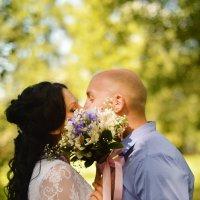 Цветочный поцелуй :: Юлия Михайлычева