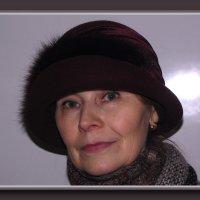 Женщина в шляпе. :: Ирина Нафаня