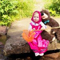 Машенька и Медведь :: Надежда Баранова