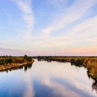 Осенний вечер на реке. :: Анатолий Бахтин