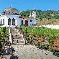 Верхняя Теберда. Новая мечеть. :: Игорь