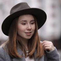 В шляпке.. :: Анна Корсакова