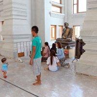 Таиланд. Корат. Внутри храма (2) :: Владимир Шибинский